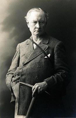 Edward Whymper mit Eispickel 1910 IMG