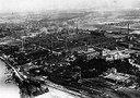 Luftaufnahme Bayer Werk Leverkusen, Schwarz-weiß-Photographie, 1923, unbekannter Photograph; Bildquelle: Unternehmensarchiv Bayer AG, http://www.bayer.de/de/unternehmensarchiv.aspx.