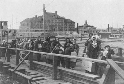 Ankunft in Elis Island 1902 IMG