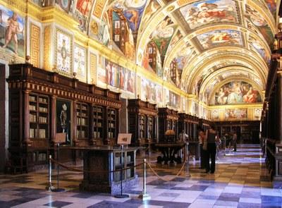 Real Sitio de San Lorenzo de El Escorial, Bibliothek, Farbphotographie, Håkan Svensson, Bildquelle: Wikimedia Commons, http://commons.wikimedia.org/wiki/File:EscorialBiblioteca.jpg