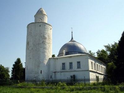 Die Moschee von Kasimov, Farbphotographie, 2006, Photograph: Ерней; Bildquelle: Wikimedia Commons, http://commons.wikimedia.org/wiki/File:Ryazan_oblast_Kasimov_Khan_mosque.jpg, gemeinfrei.