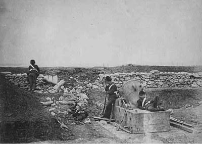 Roger Fenton (1819–1869), Ein ruhiger Tag in der Mörserbatterie, Kollodium-Fotografie, 1855; Bildquelle: Gernsheim Collection/Harry Ransom Humanities Research Center, www.hrc.utexas.edu.
