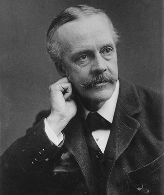 Portrait von Arthur James Balfour (1848–1930), Schwarz-Weiß-Photographie, [o.J.], unbekannter Photograph; Bildquelle: Library of Congress, Prints and Photographs Division, DIGITAL ID: (digital file from original neg.) ggbain 02758 http://hdl.loc.gov/loc.pnp/ggbain.02758.