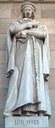 Juan Luis Vives  (1492-1540), Mamorstatur im Eingang der spanischen Nationalbibliothek, 1892, Madird, Künstler: Pere Carbonell Huguet (1854–1927), Fotograf: Luis García, Bildquelle: http://en.wikipedia.org/wiki/File:Luis_Vives_%28Pere_Carbonell%29_Madrid_01.jpg
