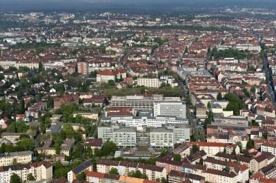Blick auf das Klinikum Nürnberg Nord IMG