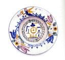 Bemalter Keramikteller aus Hutterer Produktion, unbekannter Künstler; Bildquelle: Privatbesitz.