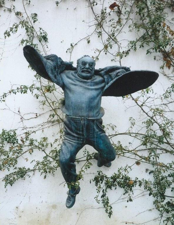 Važa Mikaberidze, Sergej Paradžanov (1924–1990), Bronze nach einer Photographie von Jurij Mečitov, 2004, Farbphotographie, Photograph: Zaur Gasimov; Bildquelle: Privatbesitz.