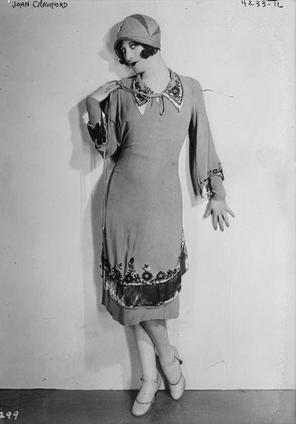 Portrait von Joan Crawford, Schwarz-Weiß-Photographie, unbekannter Photograph; Bildquelle: Library of Congress, Prints and Photographs Division, George Grantham Bain Collection, DIGITAL ID: (digital file from original neg.)  ggbain 24590, http://www.loc.gov/pictures/item/ggb2006000004/.