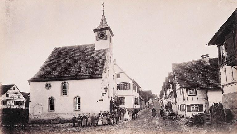 Blick auf Perouse, 1899, schwarz-weiß Photographie, unbekannter Photograph, Bildquelle: Mit freundlicher Genehmigung des Henri-Arnaud-Hauses Ötisheim-Schönenberg.