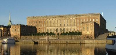 Photograph: Kim Hansen, 2008, Bildquelle: Wikimedia Commons, http://commons.wikimedia.org/wiki/File:Swedish_palace_2008-07-18_1_denoised.jpg