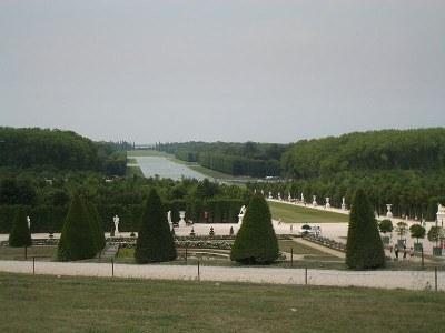 Photograph: Michael Plasmeier, 2006, Bildquelle: Wikimedia Commons, http://commons.wikimedia.org/wiki/File:Palace_of_Versailles_Gardens_1.JPG