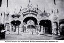 """Das """"Grand Théâtre élektrique"""" von Aleksandar Lifka (1880–1952), Schwarz-weiß-Photographie, ca. 1906, unbekannter Photograph; Bildquelle: Klagenfurter Kinomuseum, http://www.kinogeschichte.at/1906.htm."""